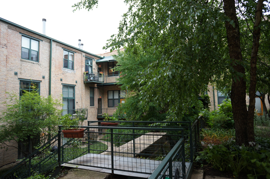 Courtyard 601 Linden PL Evanston IL 60202